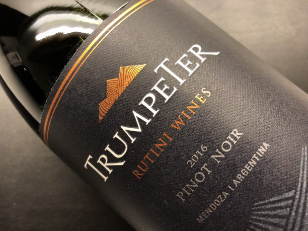 Skrattende argentinsk Pinot Noir